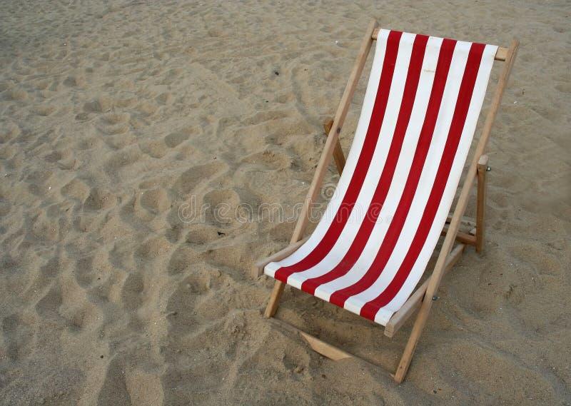 海滩睡椅复制空间 库存图片