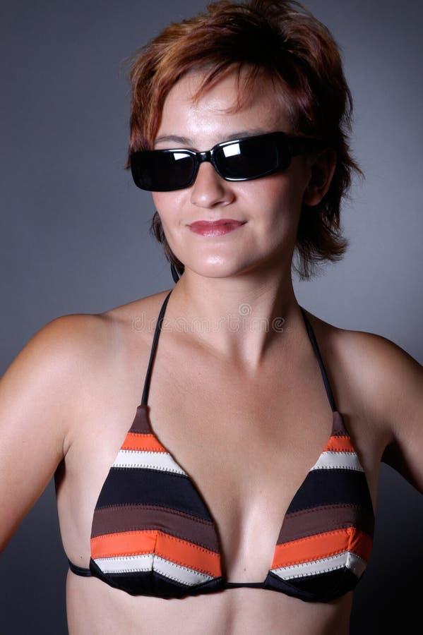 Download 海滩秀丽 库存照片. 图片 包括有 比基尼泳装, 咧嘴, 成人, 晒裂, beauvoir, 太阳镜, 游泳 - 183904