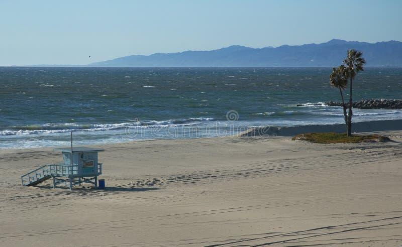 海滩空的海岸线 免版税库存图片