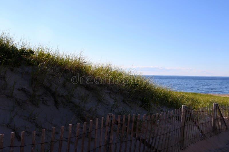 海滩篱芭和沙丘 库存照片