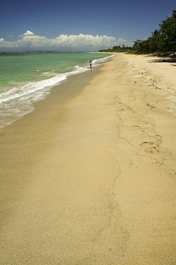 海滩美丽的空的菲律宾 免版税库存照片