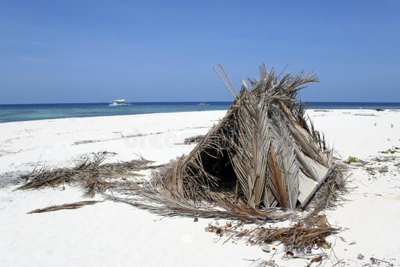 海滩荒岛风雨棚 免版税库存照片