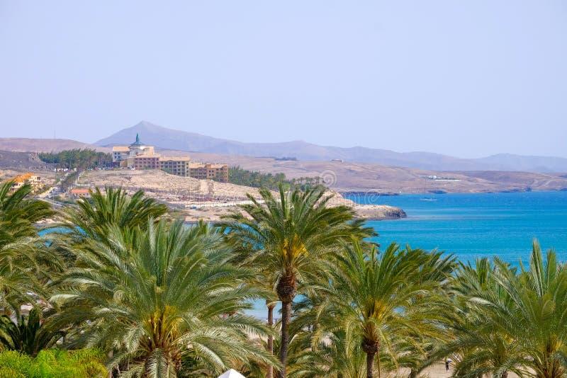 海滩费埃特文图拉岛的有手段的,加那利群岛科斯塔Calma 免版税库存图片