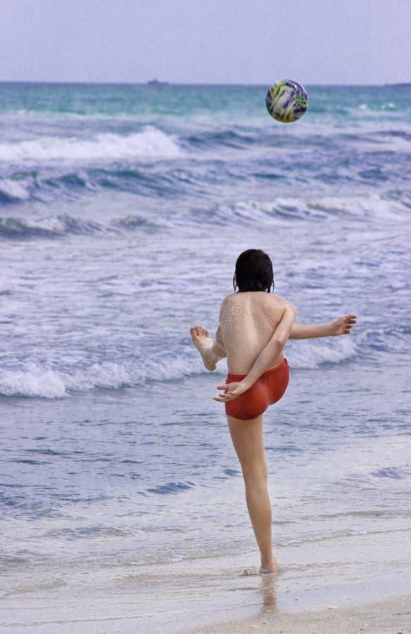 海滩足球 免版税库存照片
