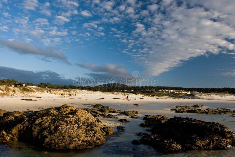 海滩风景晴朗 免版税库存图片