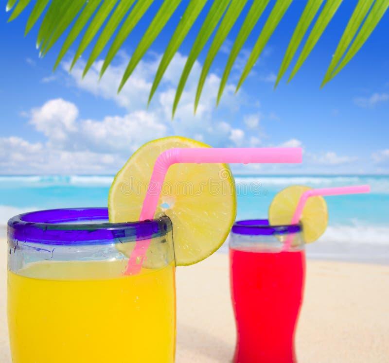 海滩鸡尾酒热带绿松石