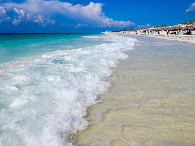 海滩blanca缓慢地cayo古巴playa 免版税库存照片