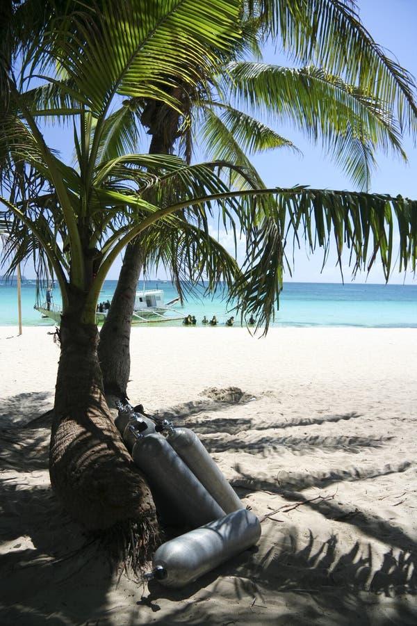 海滩boracay掌上型计算机水肺坦克结构树 免版税库存照片