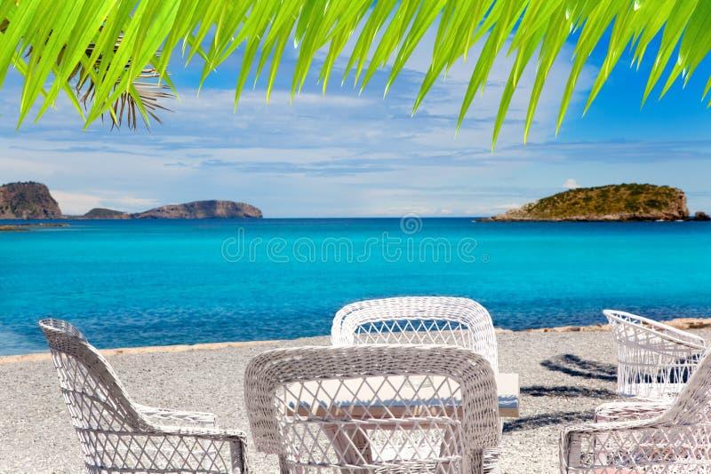 海滩canar des ibiza patja绿松石水 库存照片