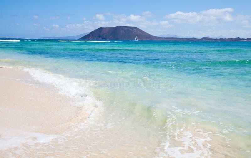 海滩corralejo标志北的费埃特文图拉岛 库存图片