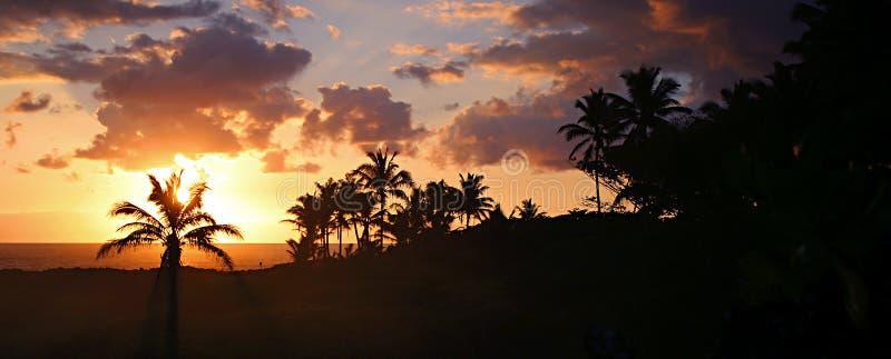 海滩hawaian全景日出 免版税库存照片