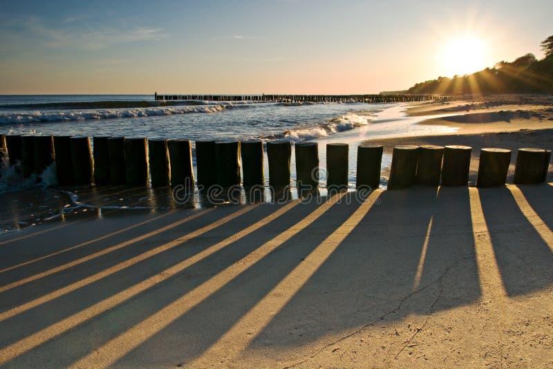 海滩morskie日出ustronie 图库摄影