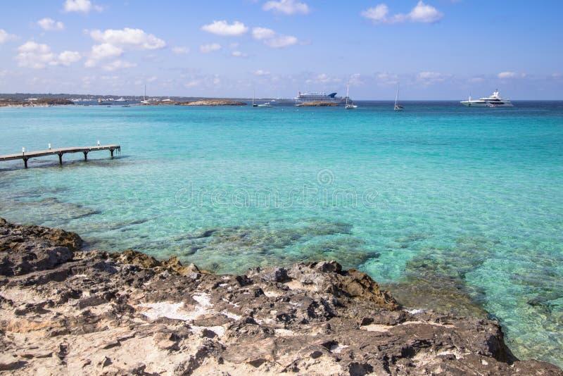 海滩Ses Illetas,福门特拉岛,西班牙 库存图片