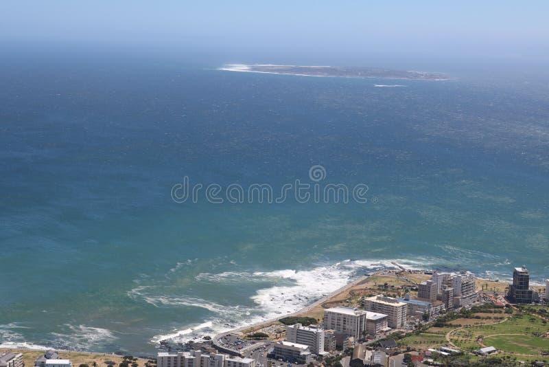 海点,开普敦,南非和罗本岛在背景中 免版税库存图片