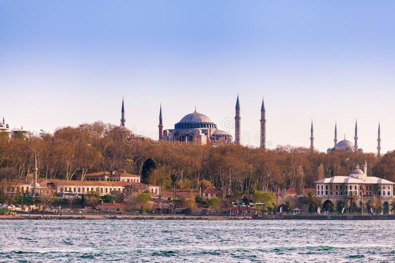 从海的伊斯坦布尔视图 著名hagia伊斯坦布尔sophia 旅行土耳其 图库摄影