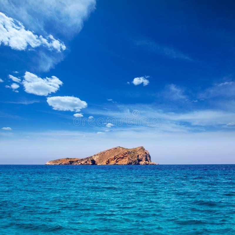 从海的伊维萨岛针茅草的海岛视图拜雷阿尔斯的 免版税库存图片