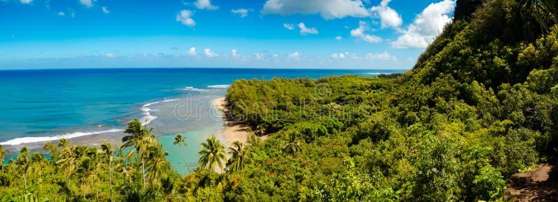 海的全景从Kalalau足迹的在考艾岛,美国 免版税库存图片