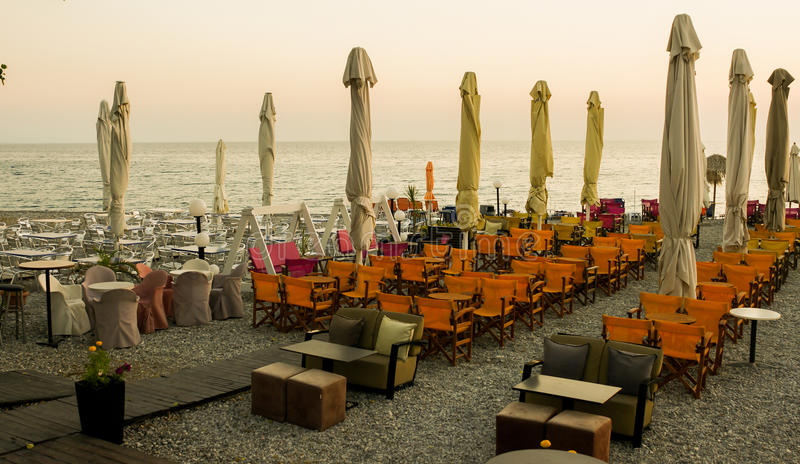 海的寒冷的餐馆 免版税库存照片