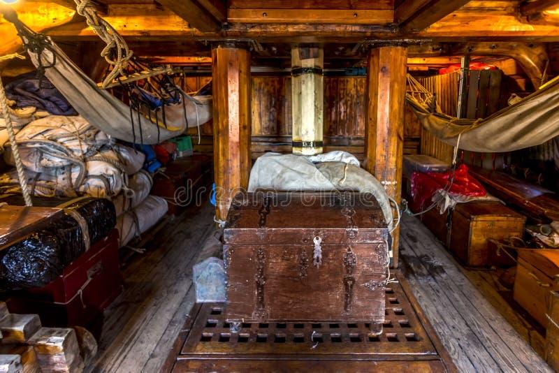 海盗乘员组客舱 库存照片