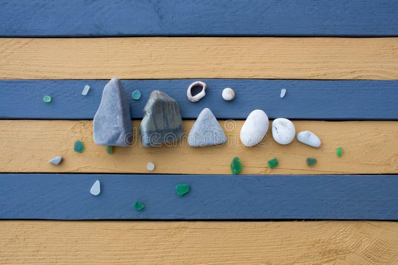 海石头、玻璃和壳的构成 库存图片