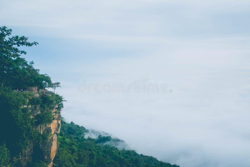 海薄雾在Pha平均观测距离E党的早晨在Si Sa Ket省,泰国 库存照片