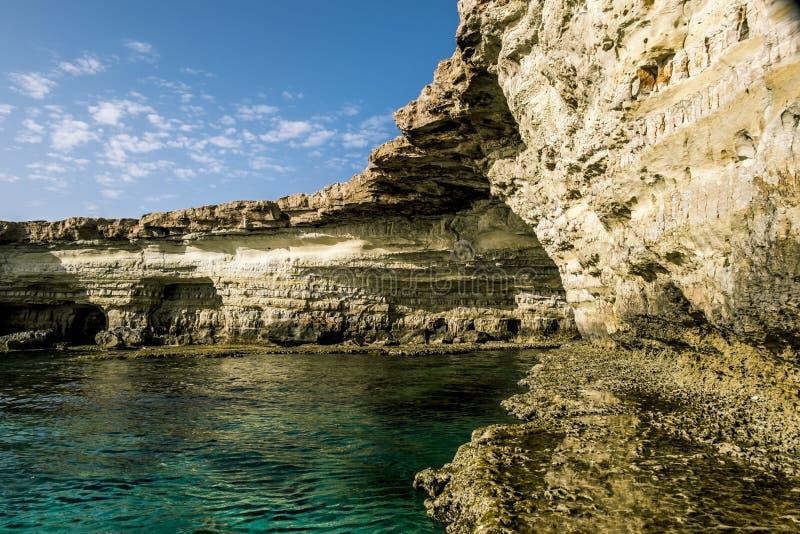 海角格雷科海和峭壁的看法  塞浦路斯 免版税图库摄影