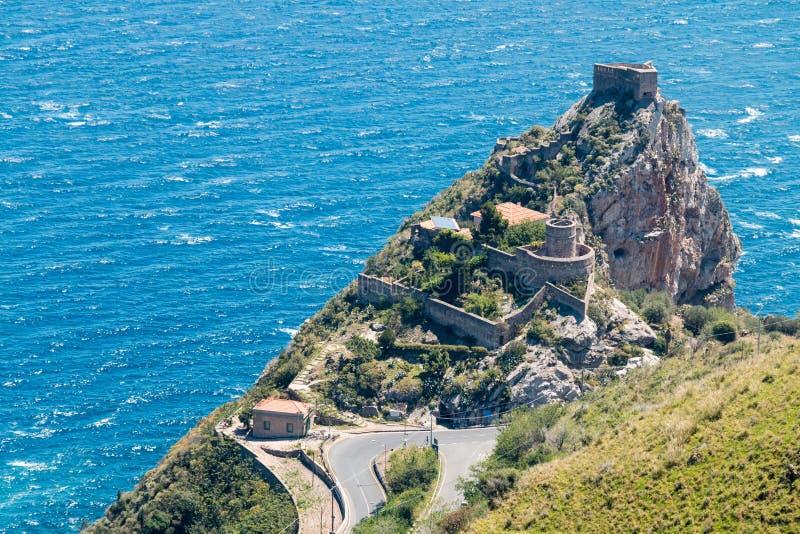 海角Sant'Alessio西西里岛 免版税库存照片