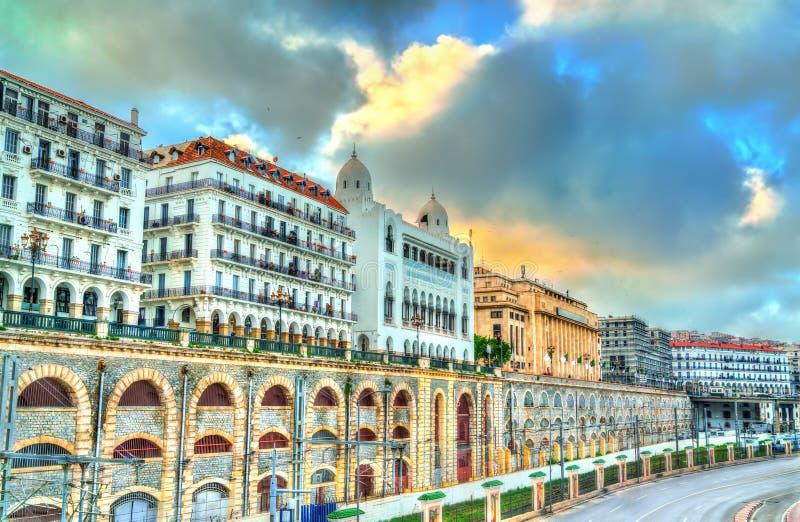 海边大道在阿尔及尔,阿尔及利亚的首都 库存照片