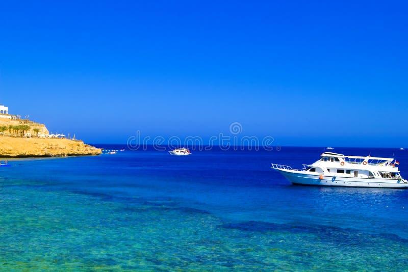 海运白色游艇 免版税库存照片