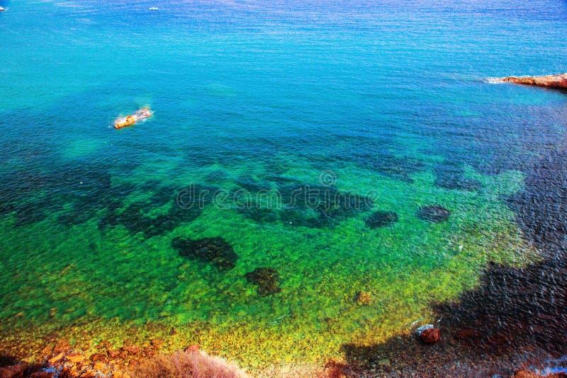 海运的清楚的水, Ibiza,西班牙 免版税库存图片