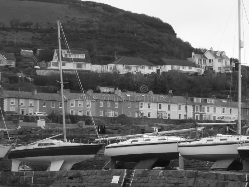 海镇在黑白的威尔士 免版税库存图片