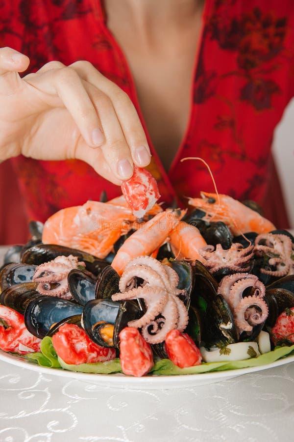 海鲜板材吃 免版税图库摄影