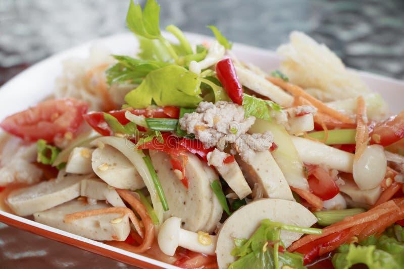 海鲜沙拉用辣和可口食物 免版税库存照片