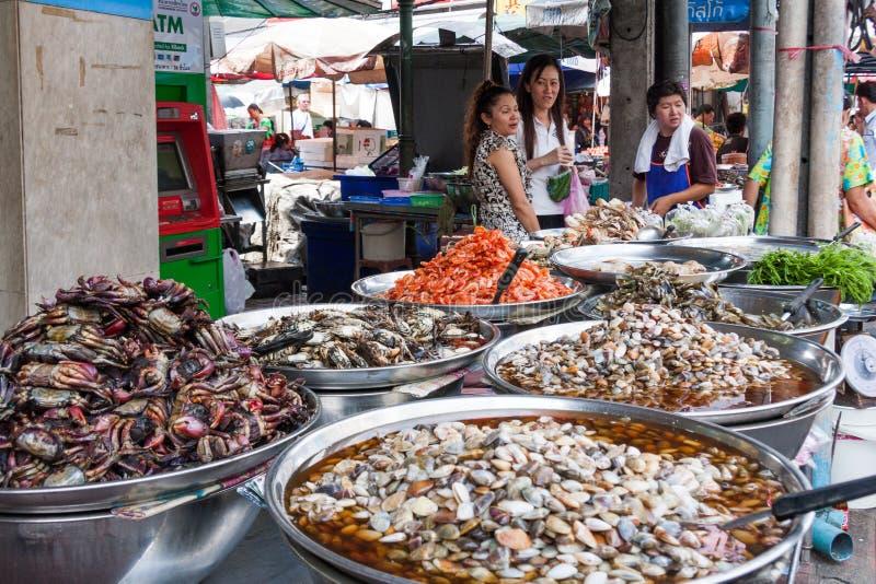 海鲜街道货摊在唐人街,曼谷 免版税库存照片