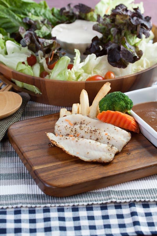 Download 海鲜 库存照片. 图片 包括有 查出, 食物, 烹调法, 空白, 没人, 片式, 香料, 饮食, 蔬菜, 迷迭香 - 62533504