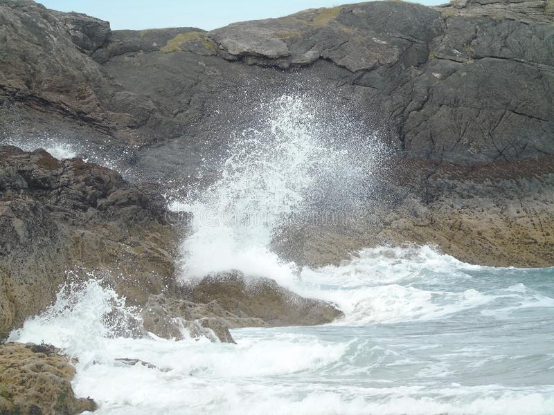 海鳗峡湾的风雨如磐的海 免版税库存图片