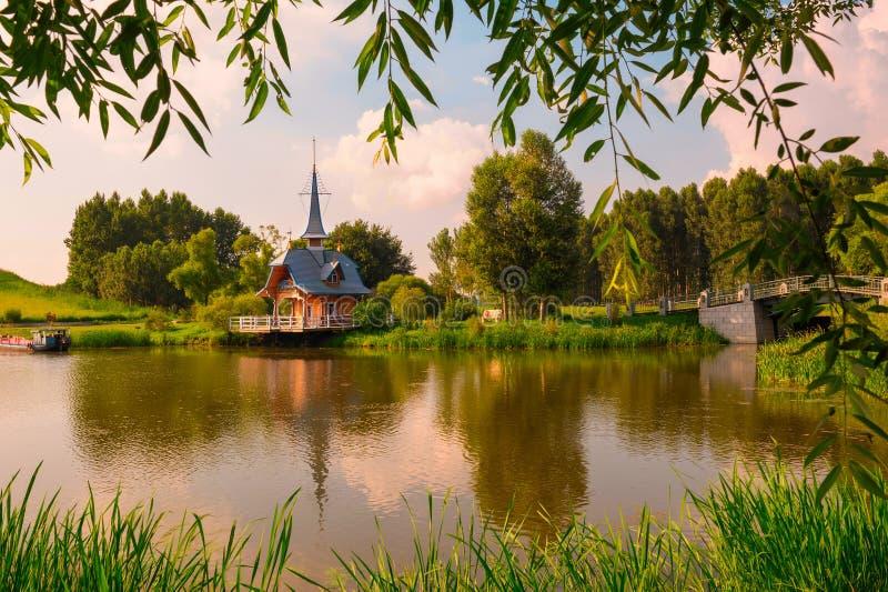 Download 海鸥亭子 库存图片. 图片 包括有 横向, 宗教, 哈尔滨, 日落, 伏尔加河, 风景, 信仰, 天空, 俄语 - 30337655