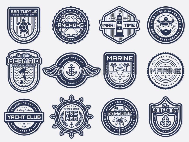 海,船舶和海滩减速火箭的徽章 动画片重点极性集向量 皇族释放例证