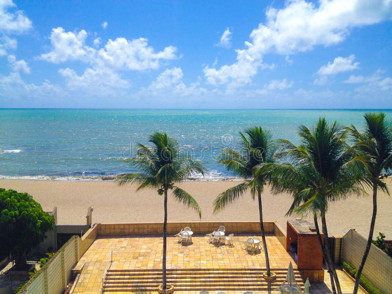 海滩前的家 图库摄影