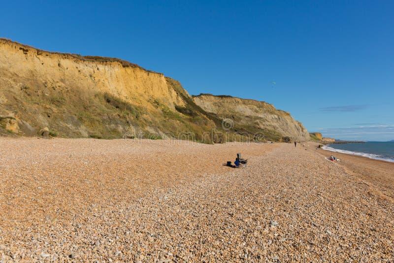 海滩和峭壁Eype多西特英国英国侏罗纪海岸在Bridport南部和在西湾附近 库存照片