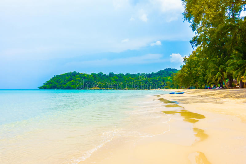 Download 海滩和海运 库存图片. 图片 包括有 海运, 天堂, 蓝色, 海洋, 热带, 横向, 放松, 阳光, 本质 - 72362973