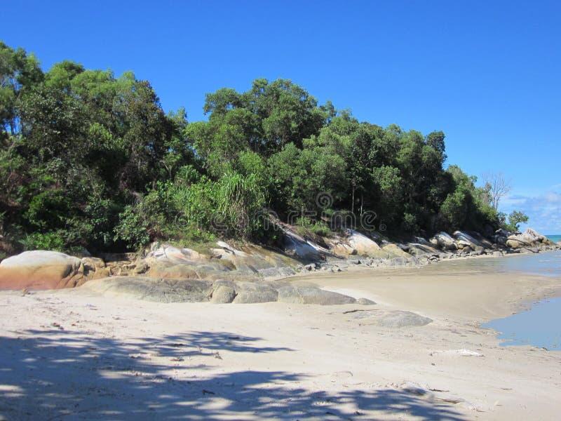 海滩巴图Bedaun印度尼西亚 免版税库存照片