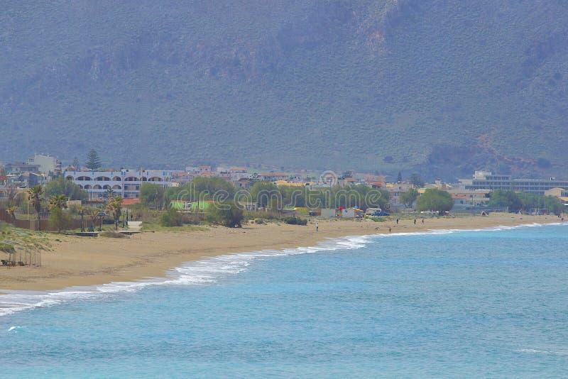 海滩在伊拉克利翁在克利特,希腊 免版税库存图片
