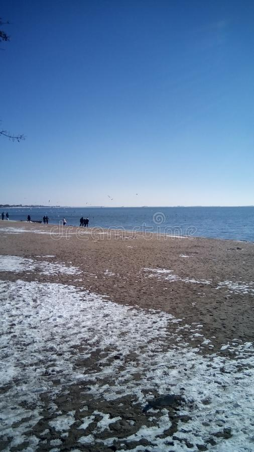 海滩多云海岸线天气冬天 库存图片