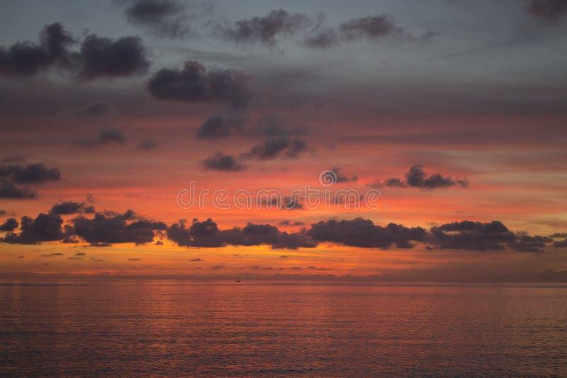 海&天空红色 库存照片