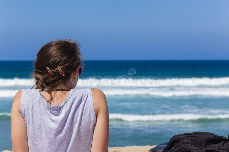 海滩女孩少年 库存图片