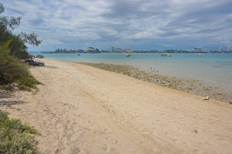 海滩小岛谬传海岸线努美阿新喀里多尼亚 免版税库存图片