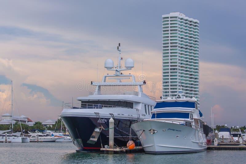 海洋小游艇船坞游艇俱乐部 免版税库存照片