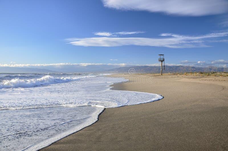 海滩手表塔, Nijar (西班牙) 库存图片