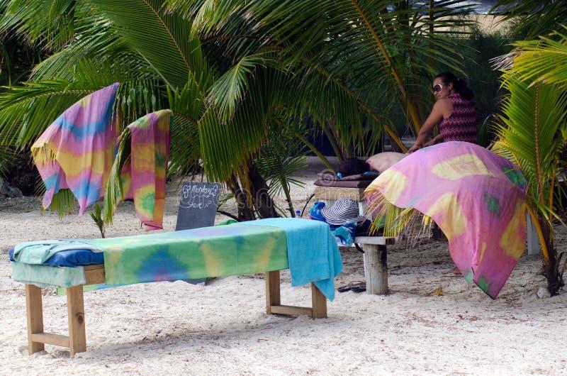 海滩按摩治疗 库存图片